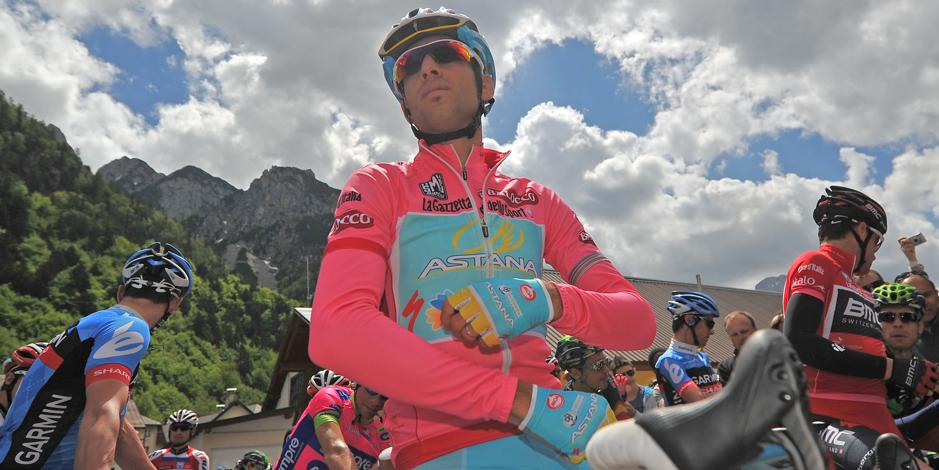"Giro, Nibali keeps the pink jersey: ""It went well"". Wiggins has no intention of giving in: ""I can catch up"""