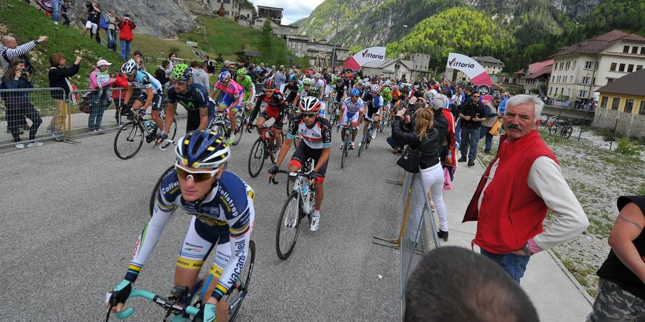 Giro, Navardauskas wins the Vajont stage. Oss second, Nibali still leads
