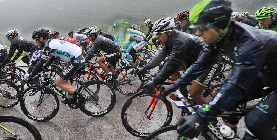 Cycling, Giro d'Italia, stage 12: Cavendish triple, Wiggins drowns under the deluge