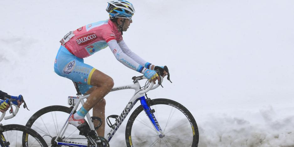 Giro d'Italia, from Silandro to the Three Peaks of Lavaredo: still fighting the weather