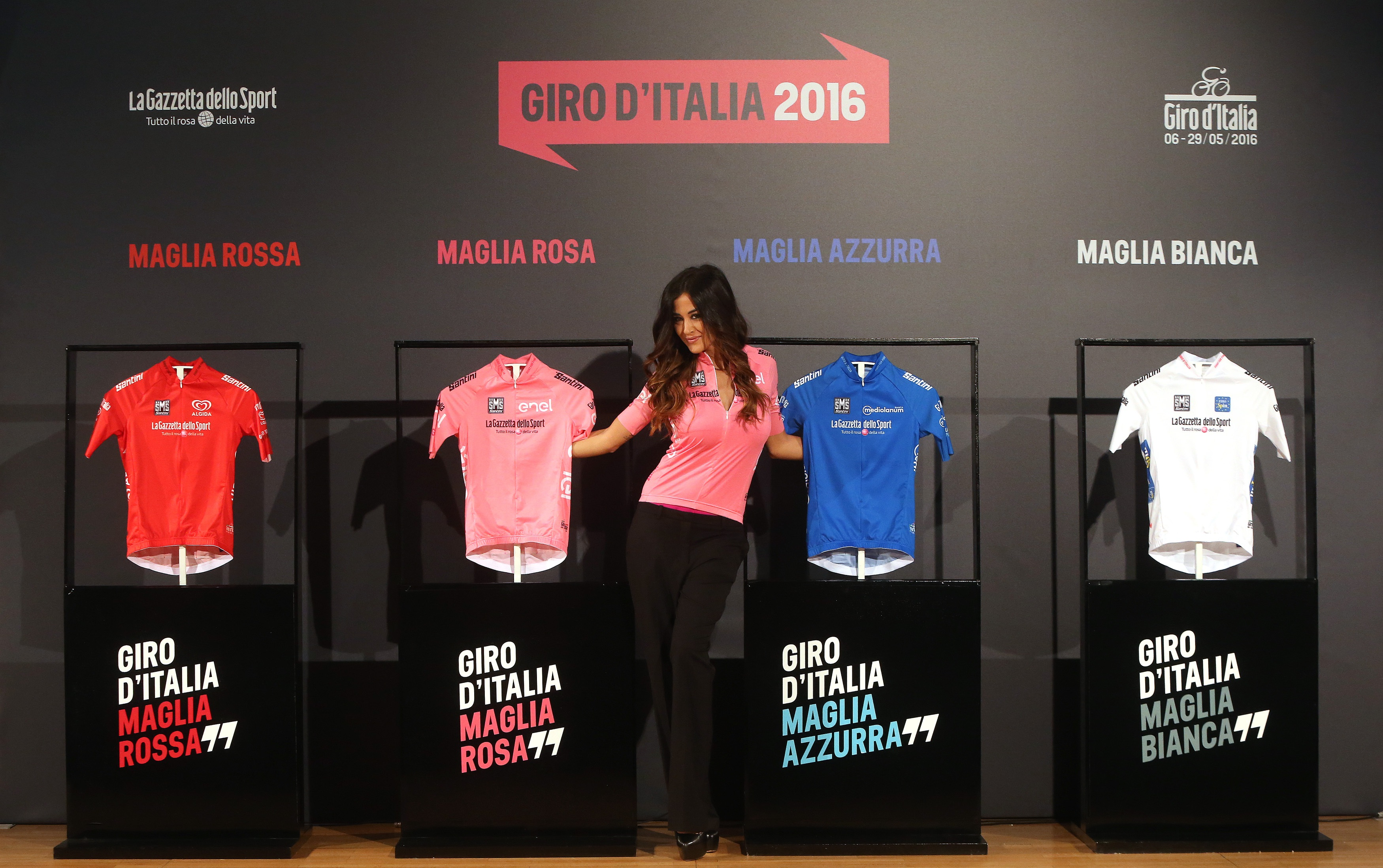 99^ GIRO D'ITALIA: PRESENTATE A MILANO LE MAGLIE 2016 E LA NUOVA MADRINA, GIORGIA PALMAS