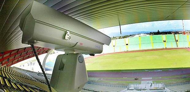 Una telecamera installata allo stadio Friuli, in un  progetto-pilota dell'Udinese. Ansa