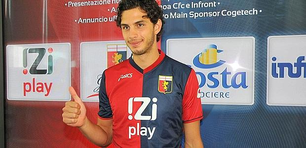 Andrea Ranocchia, 22 anni, difensore del Genoa. Poi passerà  all'Inter. Ansa