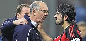 Rino Gattuso aggredisce Joe Jordan, allenatore in seconda del Tottenham. Reuters