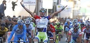 Peter Sagan ha vinto così la tappa di ieri. Bettini