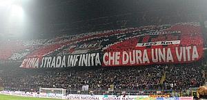 La curva del Milan. Ansa