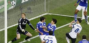 Thiago Motta segna per l'Inter: non basterà. Reuters
