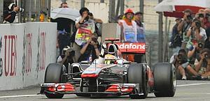 La McLaren di Hamilton in azione. Ap