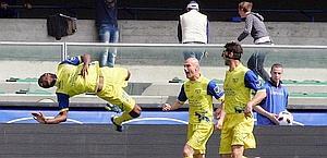I festeggiamenti di Constant dopo il gol. Ansa