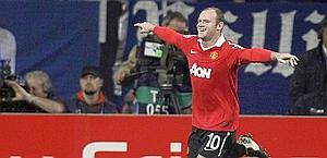 Rooney festeggia il personale 2-0. Reuters