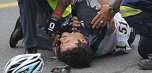 Daniele Bennati a terra dopo la caduta. Ansa