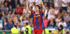 Leo Messi, 23 anni, esulta dopo il secondo gol al Bernabeu. Afp