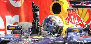 Vettel esulta dopo la vittoria. Ap
