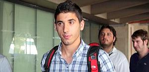 José Angel, 21 anni, all'arrivo ieri a Fiumicino. Ansa