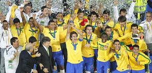 La gioia dei brasiliani alla premiazione. Ap