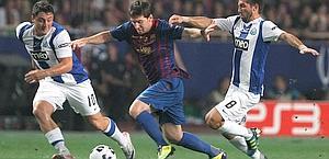 Messi fa impazzire i difensori del Porto. Ap