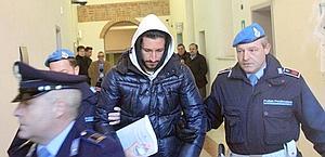 Carlo Gervasoni  viene condotto in Procura. Ansa