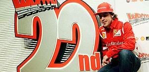 Fernando Alonso, 30 anni, alla rassegna di Wroom. Afp