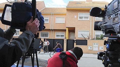 Telecamere fisse davanti alla casa di Contador. Afp