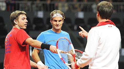 Stanislas Wawrinka e Roger Federer in allenamento a Friburgo. Ansa