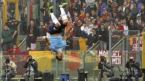 L'esultanza di Hernanes dopo la rete dell'1-0. Reuters