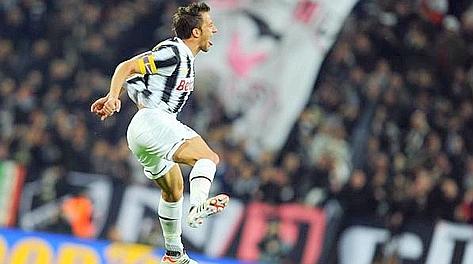 Del Piero pazzo di gioia dopo il gol del vantaggio. Ansa