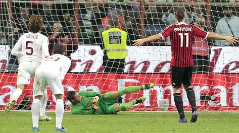 Ibrahimovic dal dischetto batte Stekelenburg: 1-1. Reuters