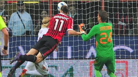 Di testa Ibra segna il 2-1, gol numero 22 in campionato. Afp