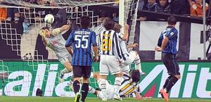 Gigi Buffon protagonista nel primo tempo. Ansa