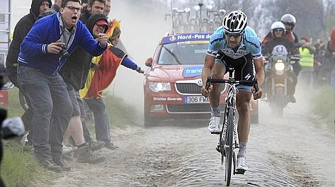 Tom Boonen solitario all'attacco. Reuters