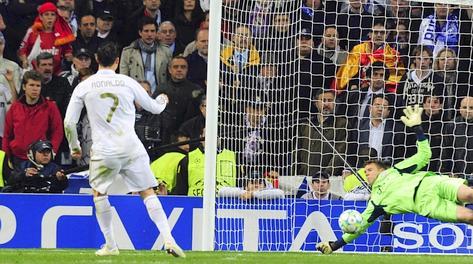 Neuer para il rigore di Cristiano Ronaldo. Afp