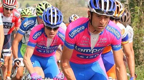 Michele Scarponi e Damiano Cunego. Bettini