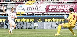 De Luca segna il gol-partita. LaPresse