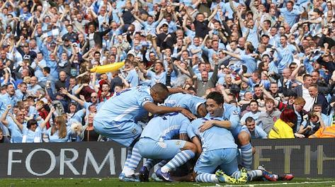 Festa azzurra al gol di Zabaleta. Reuters