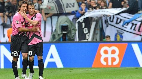 Andrea Pirlo e Alessandro Del Piero, protagonisti dello scudetto bianconero. Afp