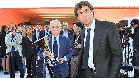 Andrea Agnelli, numero 1 della Juventus, con Paolo Galimberti, presidente del J Museum. LaPresse