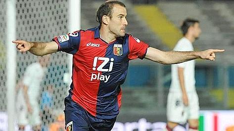 Rodrigo Palacio, 18 gol col Genoa nell'ultimo campionato. Ansa