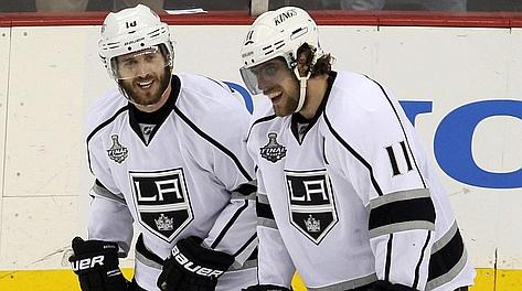 Justin Williams (a sinistra) e Anze Kopitar, eroi degli L.A. Kings in gara-1 della Stanley Cup. Afp