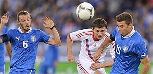 Andrea Barzagli (right) against Russia. Afp