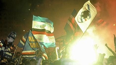 Un'immagine della festa promozione della Sampdoria rovinata dagli incidenti. Ansa