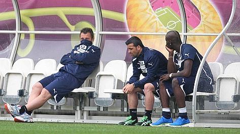 Antonio Cassano con Totò Di Natale e Mario Balotelli. LaPresse