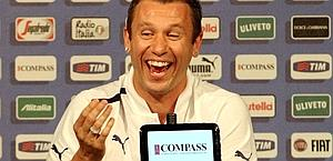 Antonio Cassano, in conferenza stampa a Cracovia. Forte