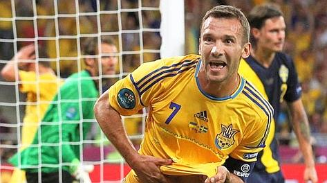 Shevchenko al Milan ha collezionato 208 presenze e 127 gol. Ansa