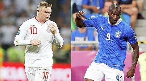 Chi si rivede. Wayne Rooney e Mario Balotelli. LaPresse/Reuters