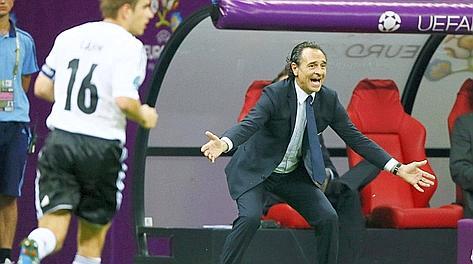 Cesare Prandelli durante la semifinale con la Germania. Reuters