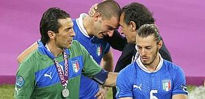 Leonardo Bonucci consolato da Prandelli. Reuters