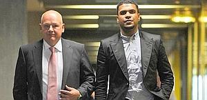 Breno e il suo avvocato Werner Leitner al processo. Epa