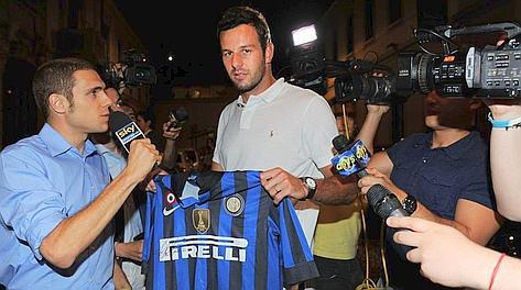 Samir Handanovic, 27 anni, con la maglia dell'Inter. Bozzani