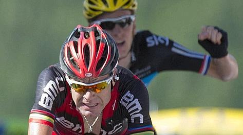 Esulta anche Wiggins, 3° dietro Evans: la maglia gialla è sua