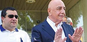 L'agente di Ibra, Mino Raiola, con l'a.d. del Milan Adriano Galliani. Ap